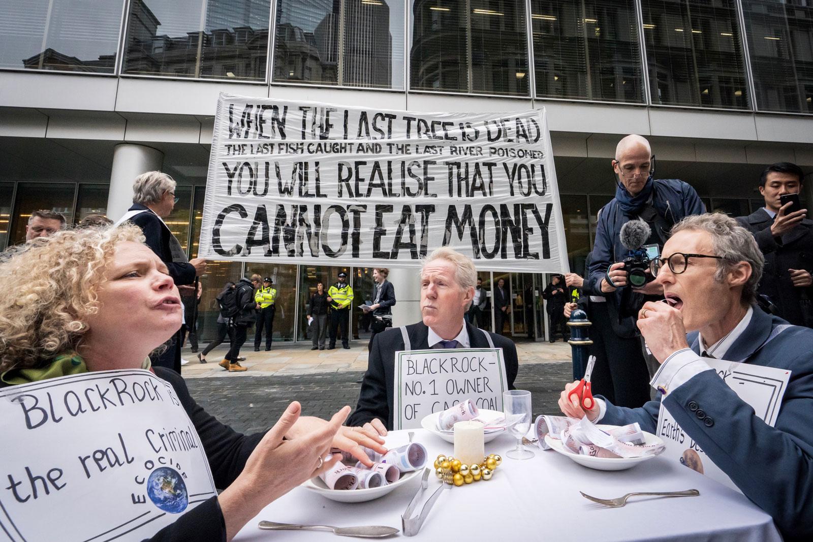 Photo Vladimir Morozov XR Protestors at Black Rock in London