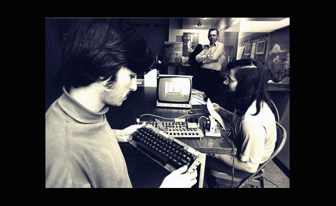 Steve Jobs Steve Wozniak with the Apple 1 prototype